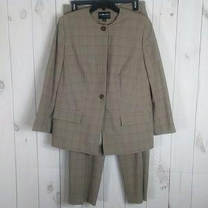 Sag Harbor three piece suit 16 w